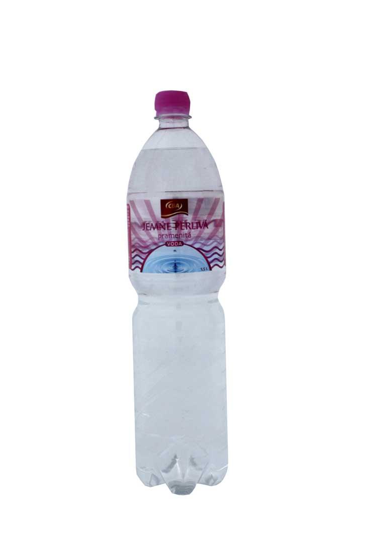 CBA Jemne perlivá pramenitá voda 1,5 l